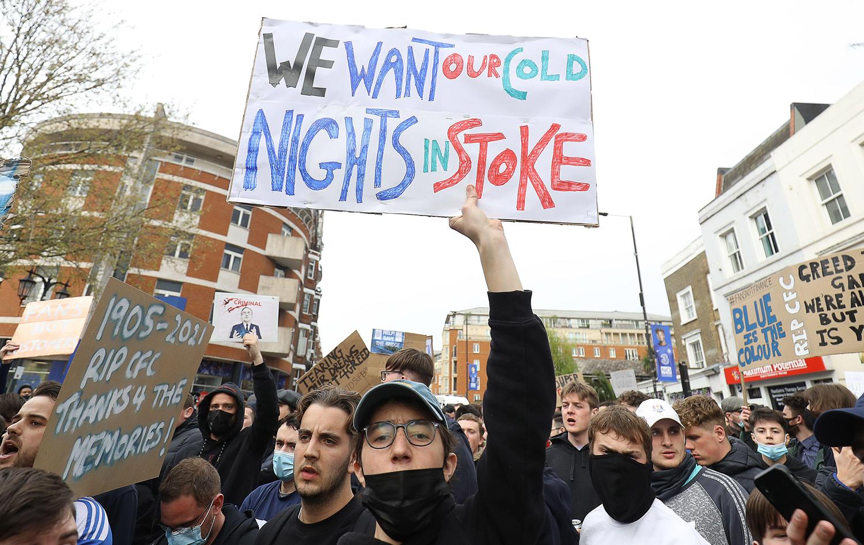 Fans-protest-ESL-At-Stamford-Bridge-2F9W
